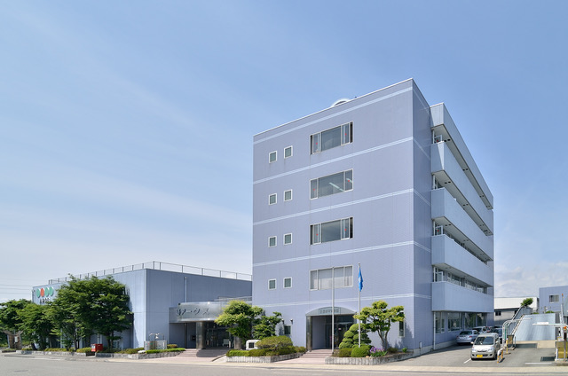 長野平青学院の外観